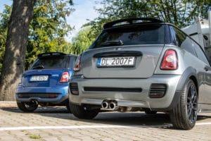 Dwa razy mini cooper, po dechromingu w OliCars Legnica